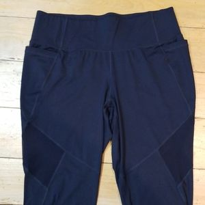 NWOT! Navy Capri Workout Leggings